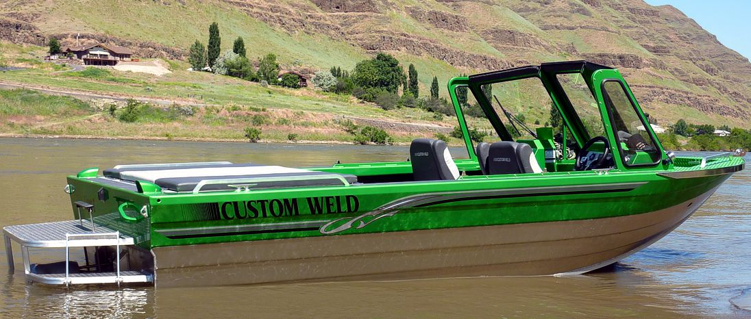 viper_custom_weld_boat