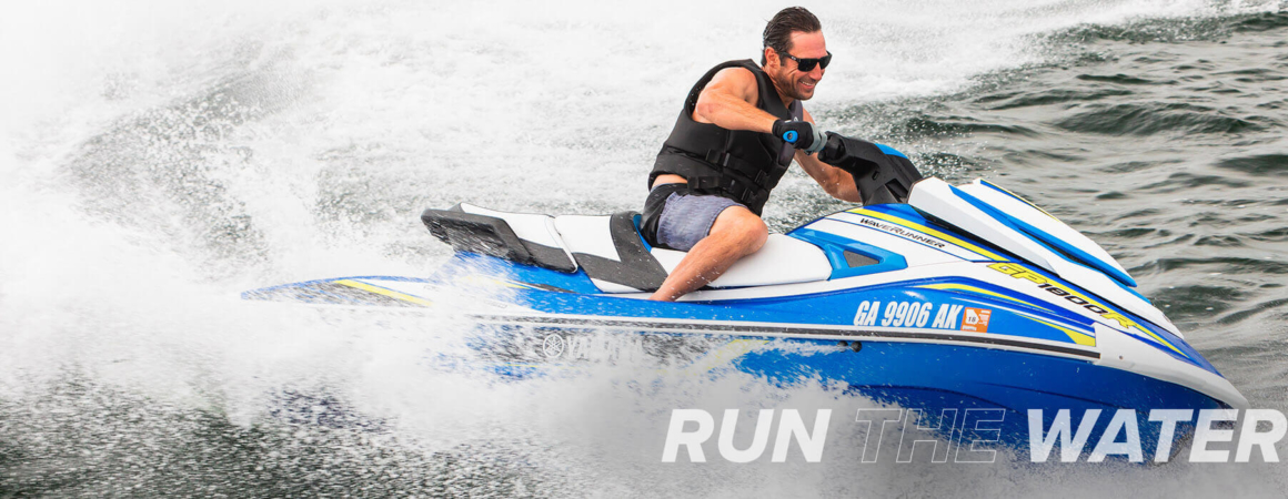 yamaha-waverunners-2019-gp1800r-blue-man-riding-rtw