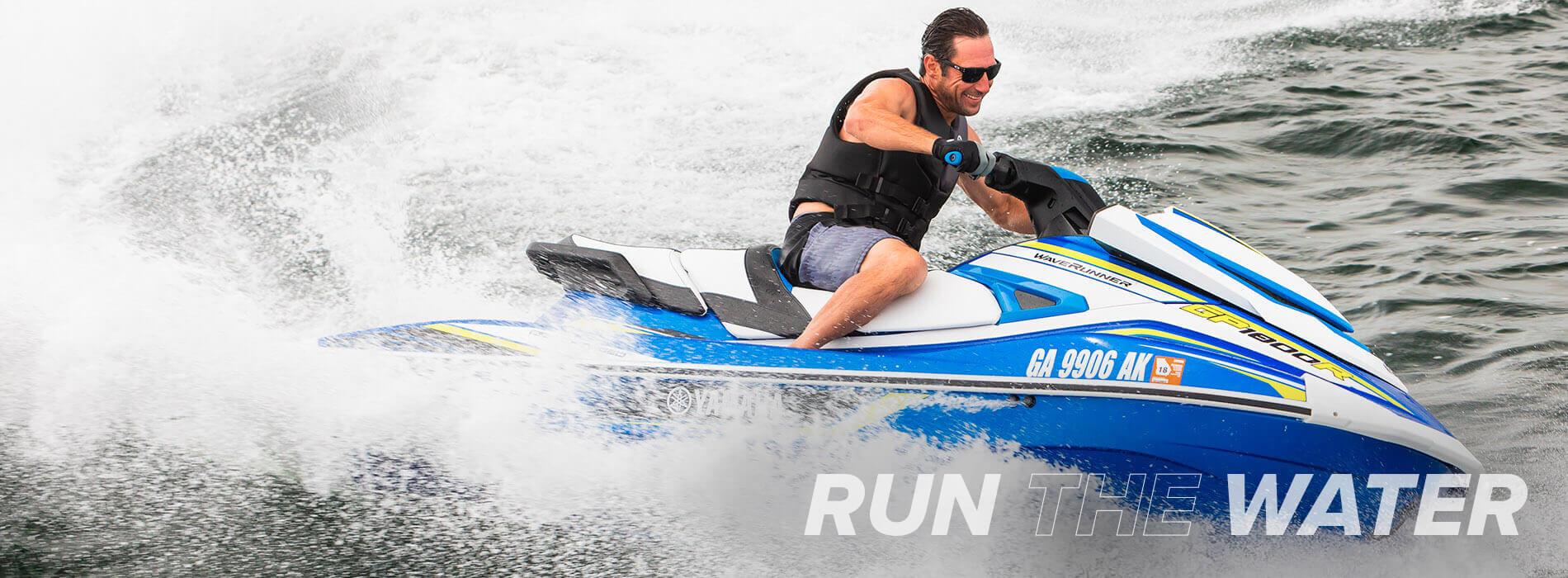 yamaha-waverunners-2019-gp1800r-blue-man-riding-rtw